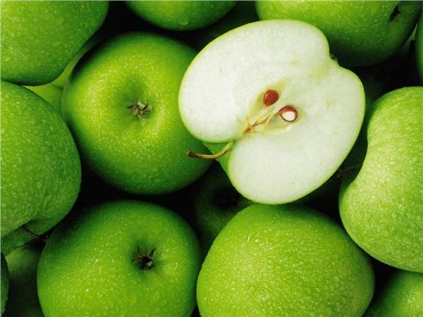 Яблоки – самые вкусные осенние фрукты