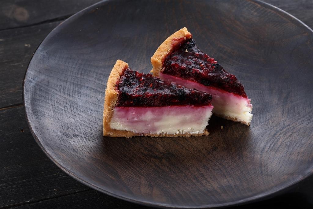 Десерт чизкейк лесные ягоды