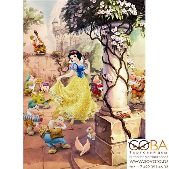 Фотообои Komar Dancing Snow White артикул 4-494 размер 184 x 254 cm площадь, м2 4,6736 на бумажной основе купить по лучшей цене в интернет магазине стильных обоев Сова ТД. Доставка по Москве, МО и всей России