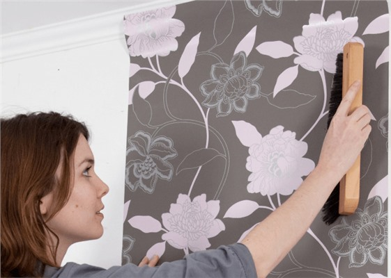 Правильная грамотная оклейка стен посредством флизелиновых обоев